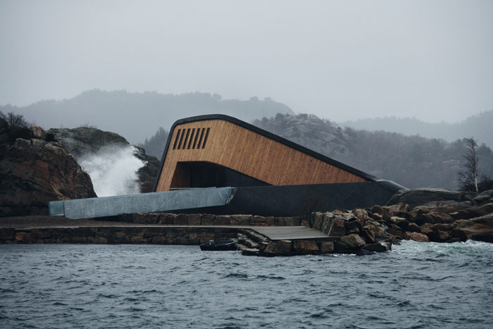 THE FIRST UNDERWATER RESTAURANT IN EUROPE OPENED IN NORWAY - PICTOCLUB (2)