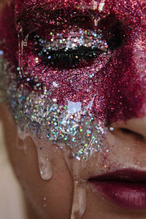PICTOCLUB Photographs - PURPLE TEARS - Kala Blue
